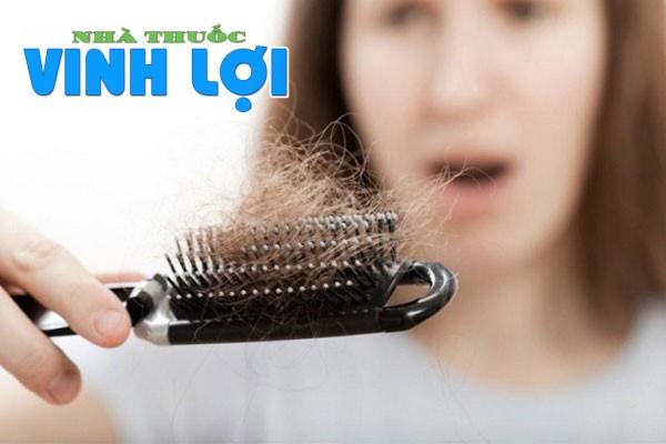 Thừa vitamin A có thể gây rụng tóc