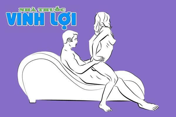 Tư thế cưỡi ngựa trên ghế tình yêu cũng được các nàng yêu thích và giúp thể hiện được nữ quyền