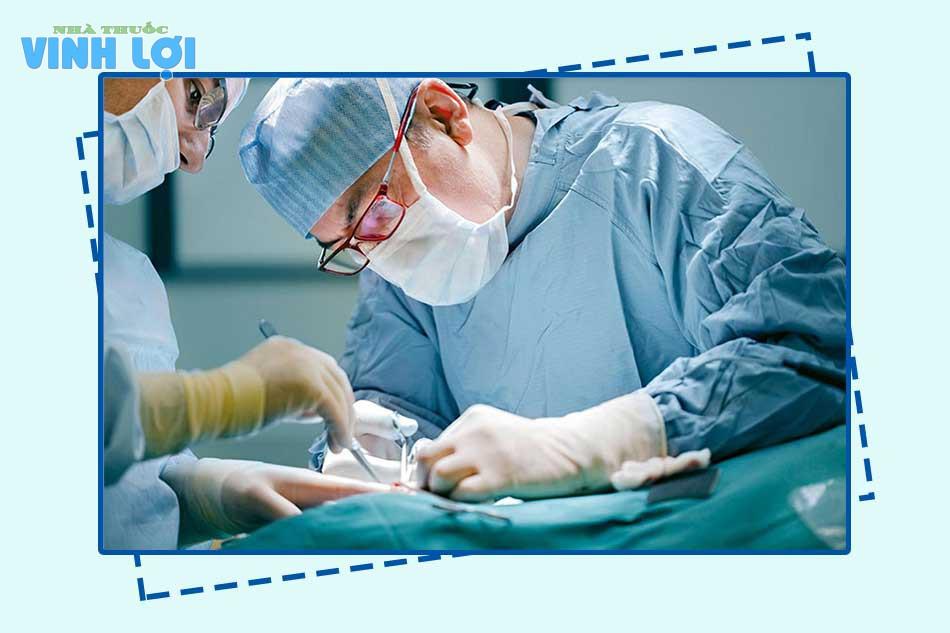 Phẫu thuật cắt mổ trĩ là gì?