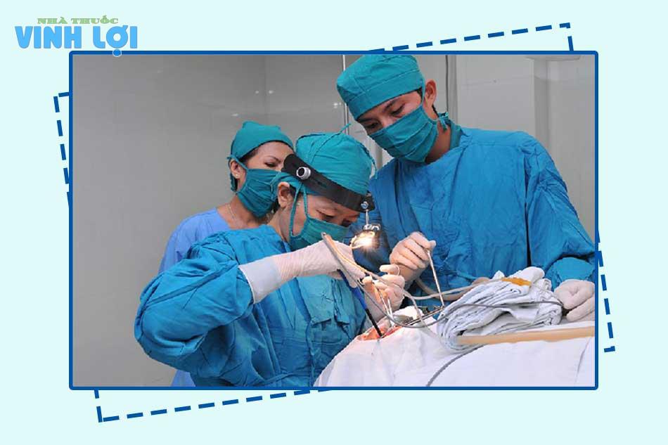 Sử dụng phương pháp khoanh niêm mạc cắt trĩ