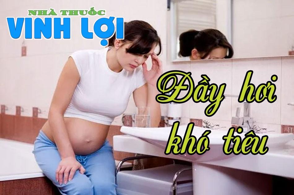 Mẹ bầu sẽ thường xuyên cảm thấy đau bụng, khó tiêu, chán ăn, ợ chua, đầy bụng