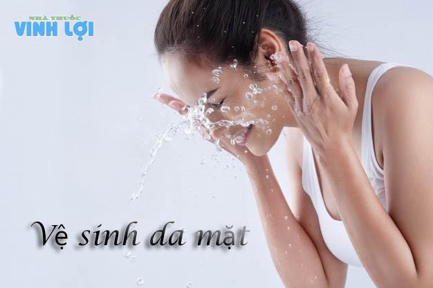Vệ sinh da mặt khi sử dụng Derma Forte