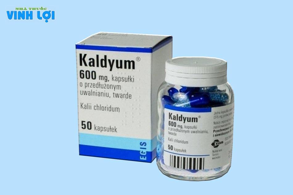 Kadyum 600mg được sản xuất dưới dạng viên màu xanh