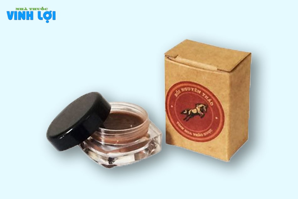 Bồi Nguyên Thảo được làm từ các loại thảo dược quý như nhân sâm, đinh hương và đặc biệt là trầm hương